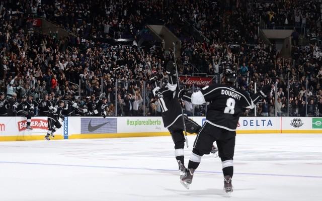 Noah Graham / NHL