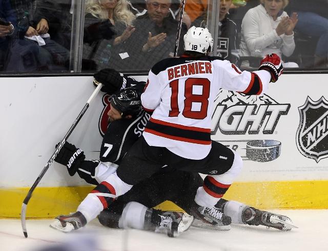 145497324MW085_2012_NHL_Sta