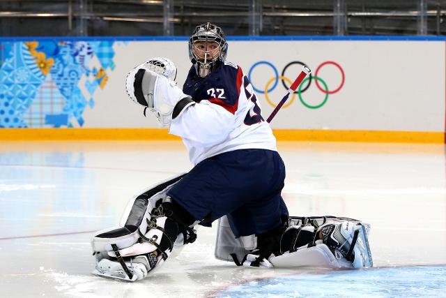461426919MB00034_Ice_Hockey