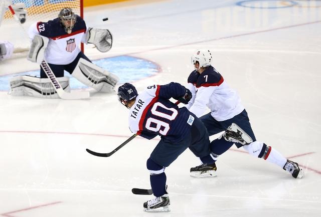 461426919MB00035_Ice_Hockey