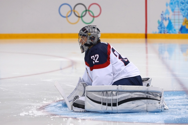461426919MB00043_Ice_Hockey