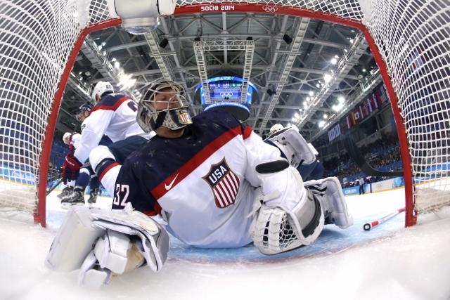 461426919MB00088_Ice_Hockey