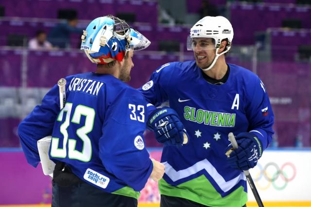 461427011JH00032_Ice_Hockey