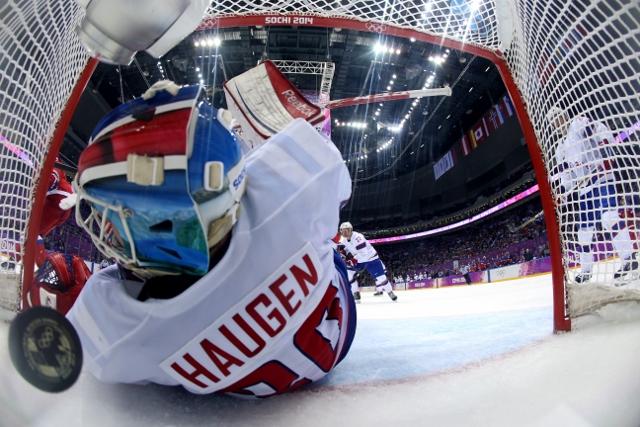461427011JH00094_Ice_Hockey