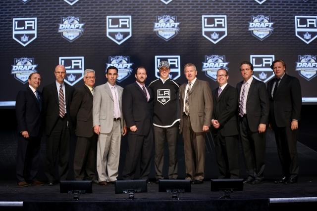146648904ML283_2012_NHL_Ent