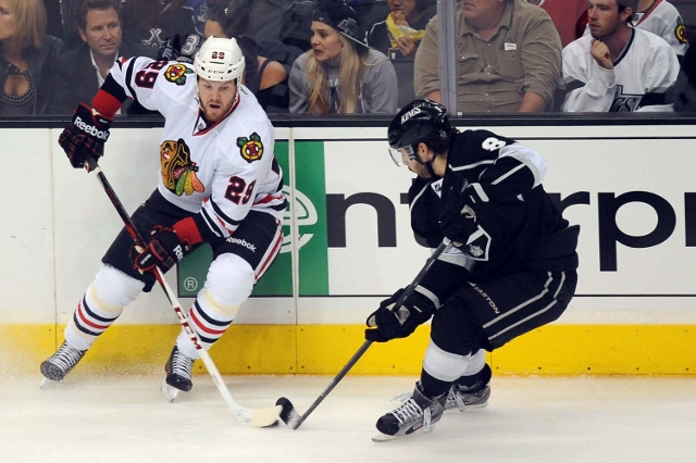 169807618EG045_Blackhawks_Kings