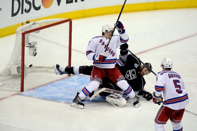 495643055JH00067_2014_NHL_S