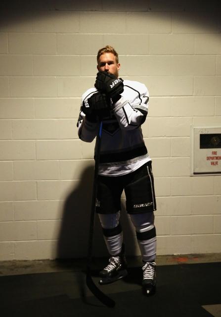 495643199WS00010_2014_NHL_S