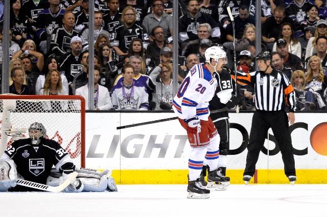 495643127MW00097_2014_NHL_S