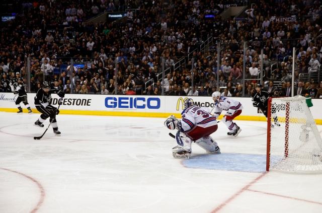 495642943RH00085_2014_NHL_S