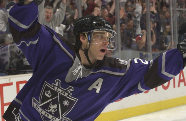 LOS ANGELES - FEBRUARY 12:  Luc Robitaille #20 of the Los Angeles Kings celebrates after scoring a goal in the third period against the Dallas Stars on February 12, 2006 at the Staples Center in Los Angeles, California. The Kings defeated the Stars 6-5.