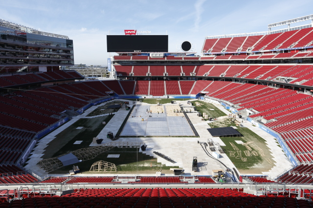 2015 Coors Light NHL Stadium Series Build Out