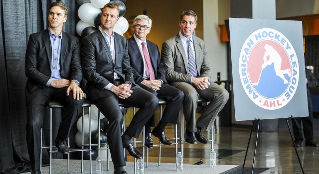 Aaron Poole / National Hockey League; L>R: Luc Robitaille, Rob Blake, David Andrews, Darren Abbott