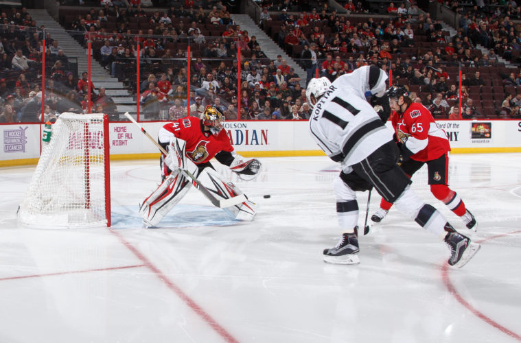 OTTAWA, ON - NOVEMBER 11: Craig Anderson #41 of the Ottawa Senators makes a save against Anze Kopitar #11 of the Los Angeles Kings at Canadian Tire Centre on November 11, 2016 in Ottawa, Ontario, Canada.  (Photo by Andre Ringuette/NHLI via Getty Images)